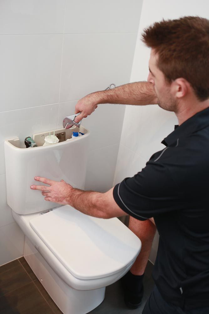repair a leaking toilet tank
