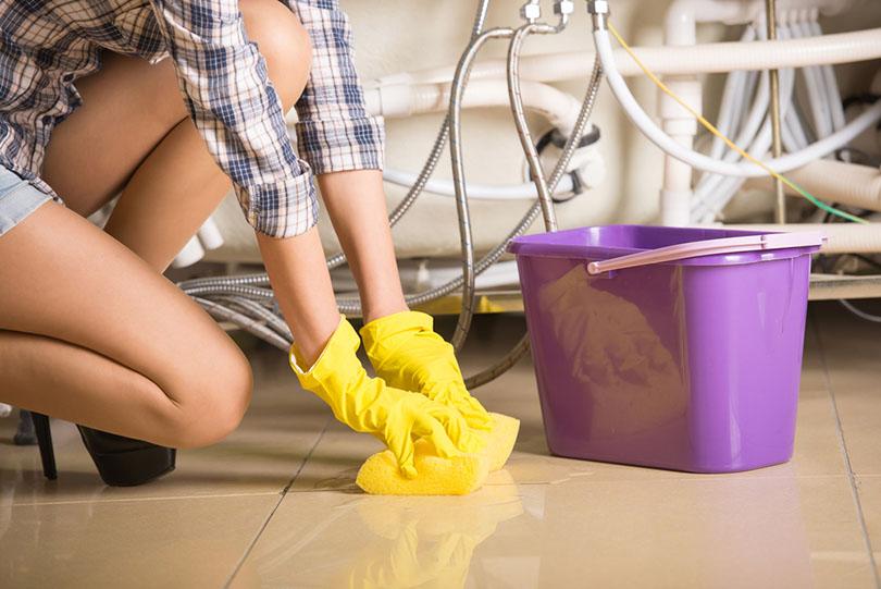 Woman is cleaning the floor_VSstockstudio_shutterstock